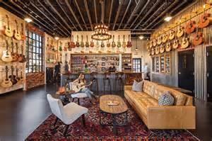 The Guitar Bar in the Funk Zone, Santa Barbara, California